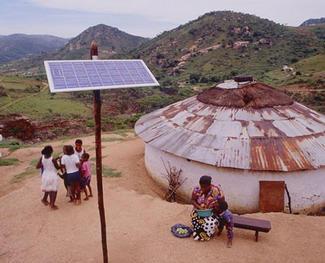 Pannelli solari in un villaggio africano