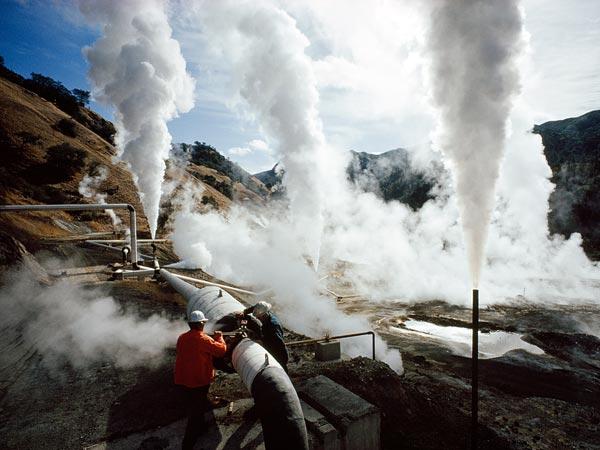 Impianto per lo sfruttamento dal suolo dell'energia geotermica.
