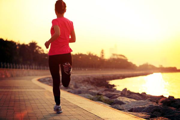 Iniziare a fare sport.