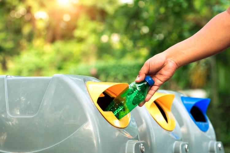 Riciclare i rifiuti per inquinare meno.